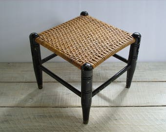 Vintage Small Wicker Top Stool ~ Black Wood Leg Plant Stand ~ Rustic Wooden Antique Chipped Paint Farmhouse Decor