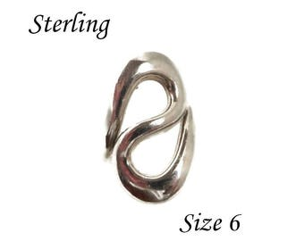 Sterling Silver Abstract Ring, Vintage Israel Curvy Ring, Modernist Ring, Gift Idea, Size 6