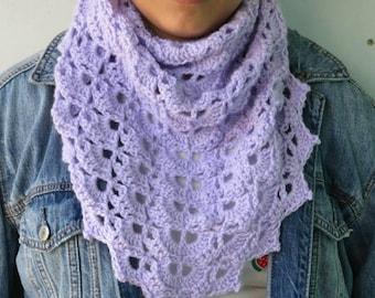 Crochet shawlette /Lavander Lace crochet shawlette / neckwarmer / Triangle cowl/TRIANGULAR SCARF