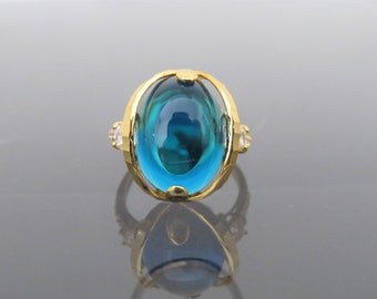 Vintage 18K Solid Yellow Gold London Blue Topaz Cabochon & White Topaz Ring Size 7.25