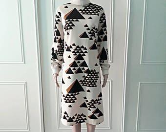 Handmade dress pyramid dress roll neck 1970's vintage dress mid length dress midi dress ladies dress beige long sleeved dress size 12/14