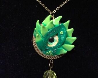 Green Dragon Eye Pendant, Reptile