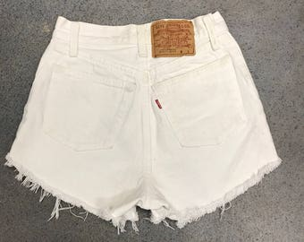 Levis Cut-off Shorts