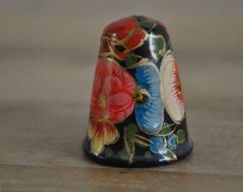 Vintage thimble - Wooden - Hand painted - Floral design - Flowers - Colourful