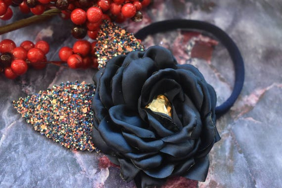 Navy flower with glittery leaves on elastic headband - Baby / Toddler, Girls, Kids Hairband / Hair bow / newborn photo/ birthday / Christmas