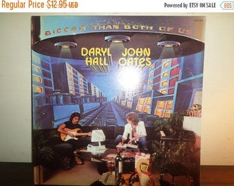 Save 30% Today Vintage 1976 Vinyl LP Record Bigger Than The Both Of Us Daryl Hall John Oates Excellent Condition 11906