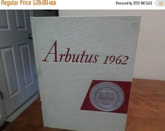 Save 25% Now Vintage 1962 Indiana University Hoosiers Arbutus Yearbook/Annual Clean Unsigned