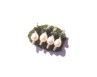 Seraphinite and freshwater pearl beads: 4 charms 21 mm long x 8 mm in diameter