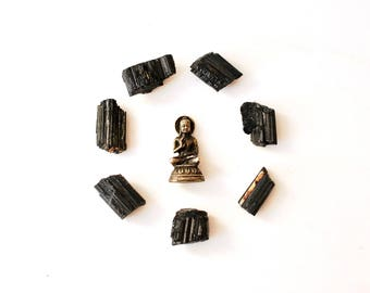 Petite Raw Black Tourmaline Crystals - Healing Mineral For Protection against Negative Energy - Root Chakra - Aura Cleansing, Reiki Healing