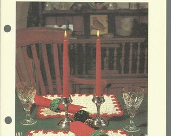 Retrocon Sale - Holiday Table Set crochet pattern download placemats and napkin rings