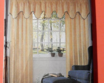 Simplicity 7885 Curtain panels and five valance design pattern Uncut