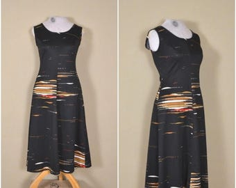 summer sale // 20% off // vintage black sheath dress // 1970s boho abstract pattern dress // little black dress // small