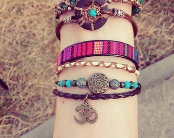 Bracelet Boho Aum / Ohm single Bracelet / handmade / Hippie Turquoise