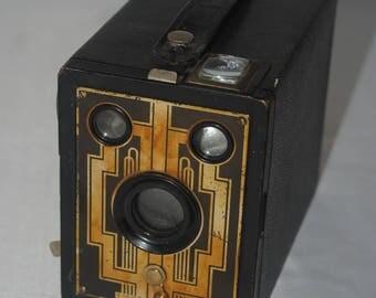 1933-41 KODAK Brownie SIX-20 Box camera w/ Wonder DECO front plate