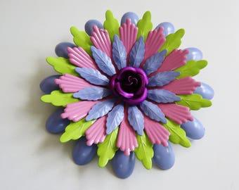 Groovy 1960's Flower Power Brooch Pin