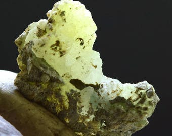 Rare yellow Color Brucite Crystal Specimen From Baluchistan Pakistan ~ New Find Mineral ~43*24*17 mm ~19 Gram