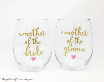 Wedding Wine Glass, Custom Bridal Party Wine Glasses, Bridal Wine Glass, Bridal Party Gifts, Custom Bridesmaid Wine Glass, Mother of Bride
