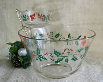 Vintage Holly Pattern Chip and Dip Set // Vintage Christmas Party bowl with Bracket
