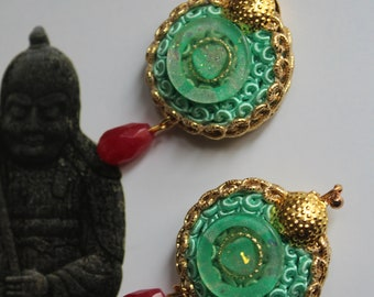 trimming earrings with vintage buttons