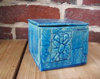 Square blue box