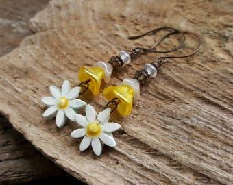 Artisan Daisy Earrings, Long Beaded Earrings, Yellow & White Earrings, Bohemian Earrings, Boho Flower Earrings, Hippy Summer Festival