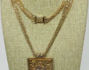 Vintage Anne Klein necklace, pendant fierce Lion king head,  chunky chain  gold plated