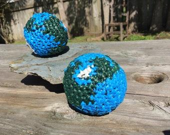 Plarn Miniature Globe