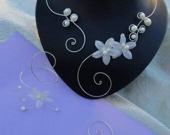 Set of wedding bridal set wedding jewelry Pearl satin flower, necklace bracelet earrings hair comb