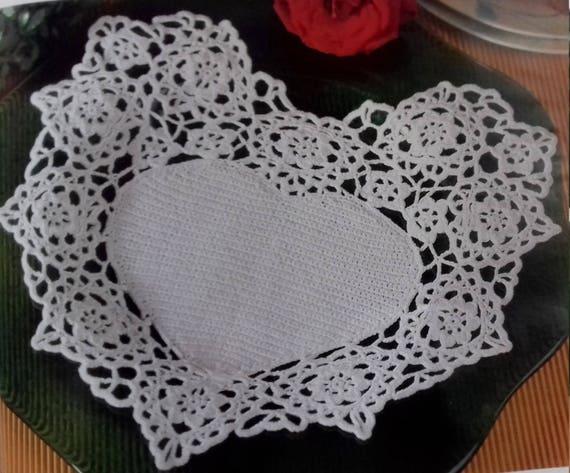 Hand crochet doily cotton lace home décor vintage crochet pattern 10x12 inch cozy house antique style