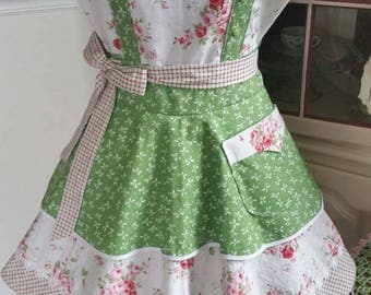 Tribute to Mother 'Roses and Bows' Apron! Feminine and Beautiful!