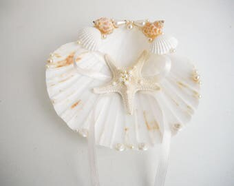 Shell ring holder, Starfish, Beach Ring Holder, Sea shell Ring Bearer, Sea Wedding, Ring Bearer, Beach Wedding, Sea Shell Ring Pillow knob