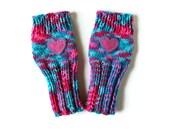 Valentines Gloves, Girls Fingerless Gloves, Heart Gloves, Cute Girls Gloves, Tween Gloves, Gloves with Heart, Fingerless Kid Gloves