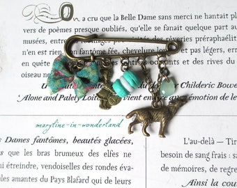 """""""the little Red Riding Hood"""" emerald green and bronze pin brooch"""