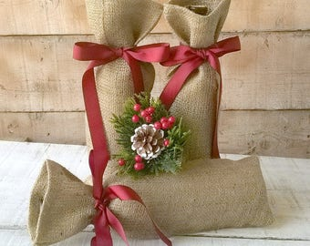 Christmas Wine Bag - Burlap Wine Bag - Christmas Gift Bag - Burlap Gift Bag - Wine Bottle Cosy- - Burlap Wine Holder - Set of 3