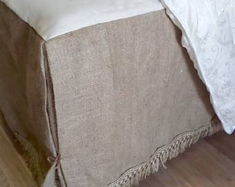 Dust Ruffle - Bed Skirt with Rustic - Burlap Bedskirt - Burlap Bedding - Farmhouse Bedskirt - Burlap Valance -  Queen Size