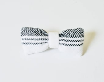 Black Lined Hair Clip