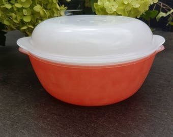 Baking dish//serving dish//Arcopal France//Vintage//milk glass//Orange//Retro//second hand dealer//dine//collection//1960//