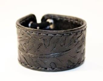 Leather cuff bracelet, black handmade cuff, great bracelet, mens bracelet, womens bracelet, great gift, leather accessories