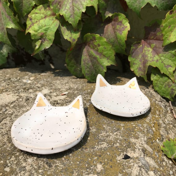 Speckled white and gold cat dish
