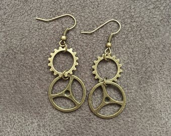 Steampunk gear drop earrings