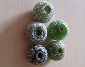 Set of 5 olive glass beads
