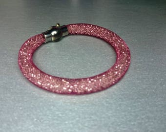 Red mesh with magnetic clasp bracelet