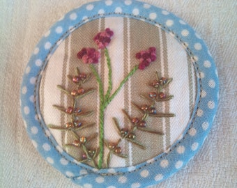 brooch embroidered fern and Heather