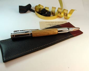 Pen Hunter in oak, with a leather case