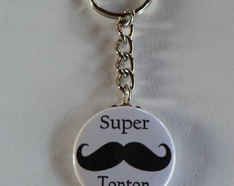 Badge Porte clés 38mm Super Papa Moustache Cadeau Papa.