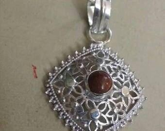 Holiday SALE 85 % OFF Sunstone  Natural Pendant  Gemstones . 925 Sterling Silver