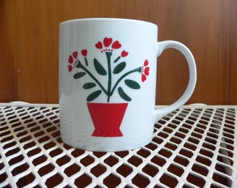 FREE SHIPPING! Lillian Vernon Corp. Quilt Wreath Mug White & Red