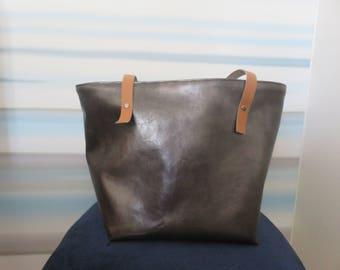 Faux leather handles rivetes tote bag