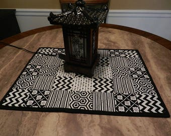 black and white table topper, modern table topper, free domesic shipping