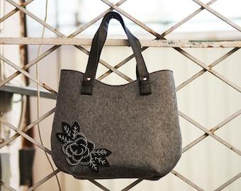 Felt bag Felt tote Shopper bag Felted purse Handbag for lady Rose bag Black felt rose bag Felted handbag Everyday felt bag